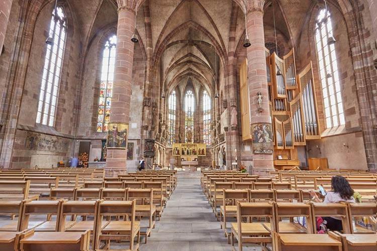 Frauenkirche Nürnberg, Innenraum